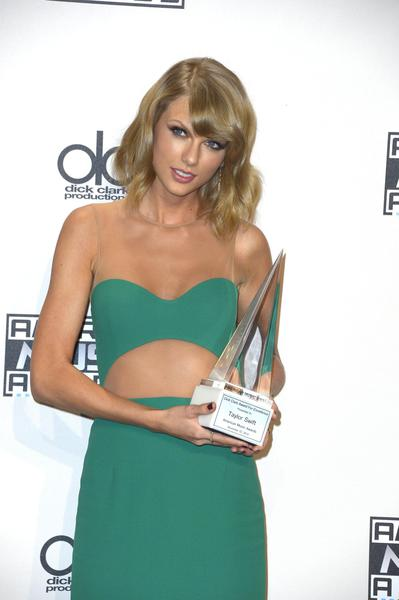 Press Room - 2014 American Music Awards