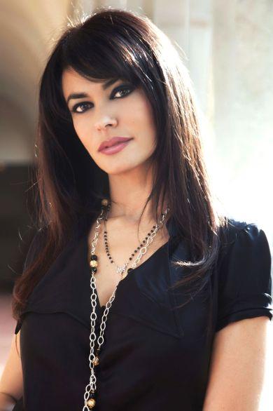 Maria Grazia Cucinotta b (1).jpg