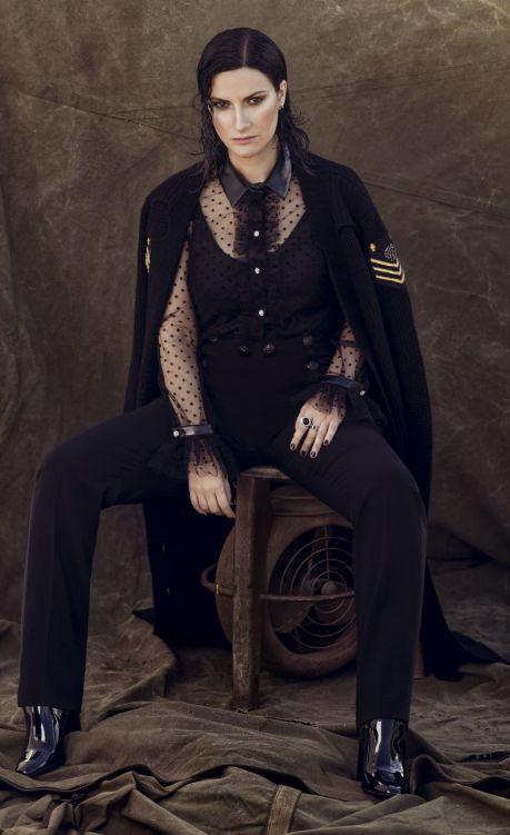 Laura Pausini (2) b