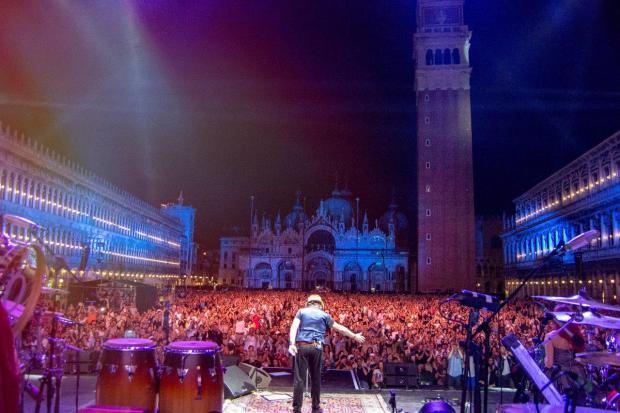 Zucchero_Venezia_Piazza San Marco_6_b